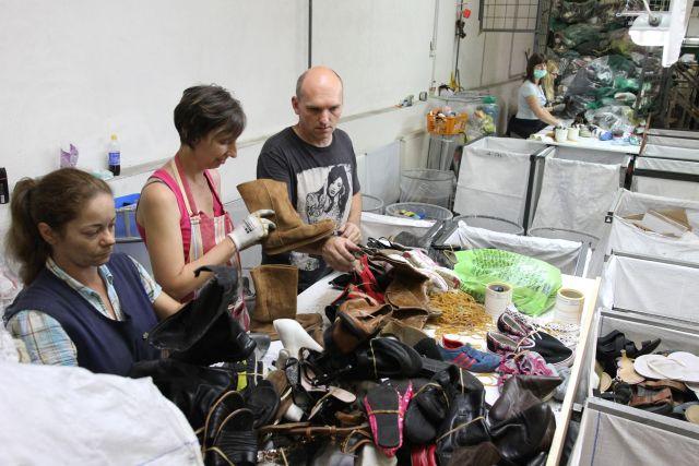 konténeres gyűjtés, használtruha nagykereskedés