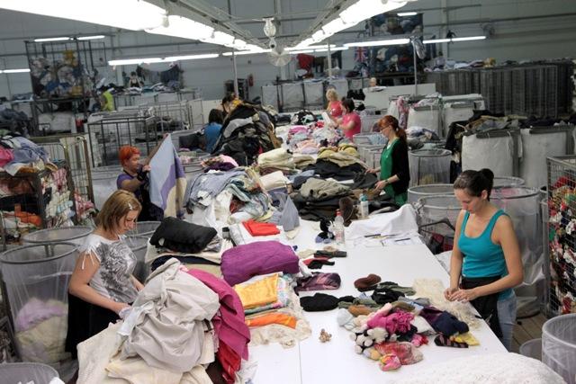 04 ruha nagykereskedelem